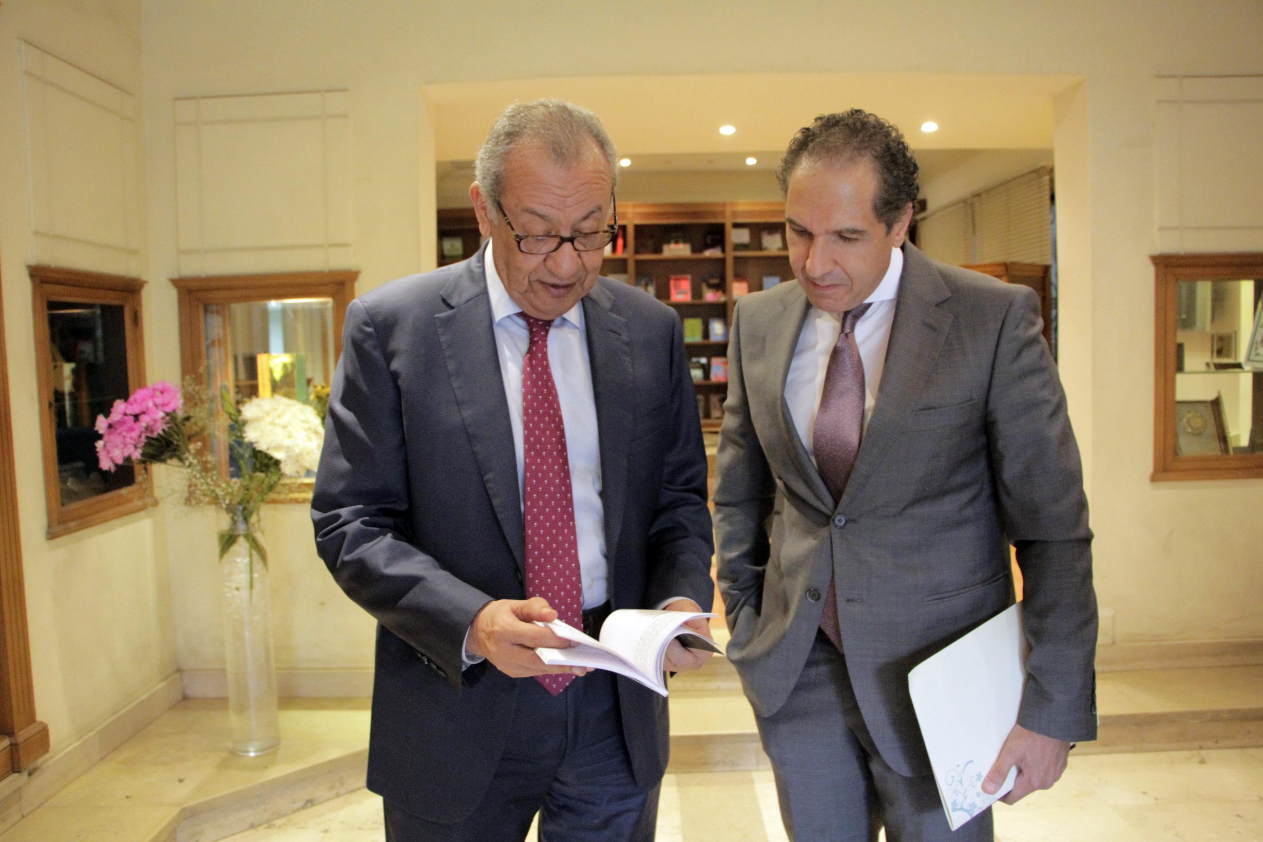 حديث بين إبراهيم المعلم ومصطفى حجازى