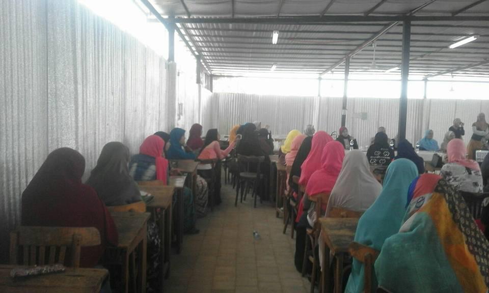 وكيل وزارة الصحة يشهد تكريم الطالبات