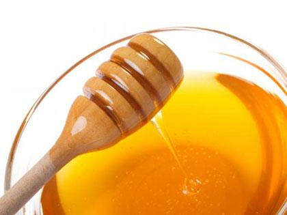 العسل لعلاج حب الشباب