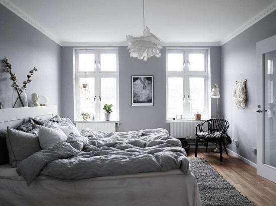 غرفة نوم باللون الجراى