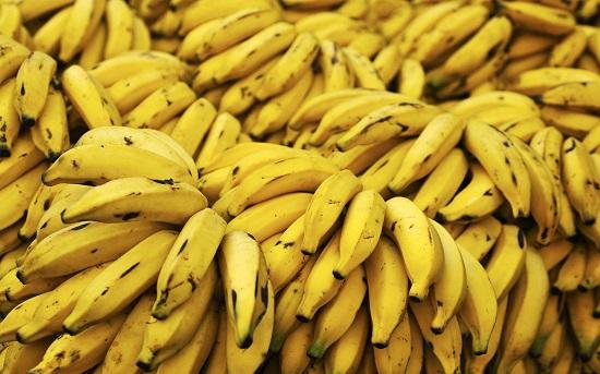 فوائد الموز 90878-bananas-925216