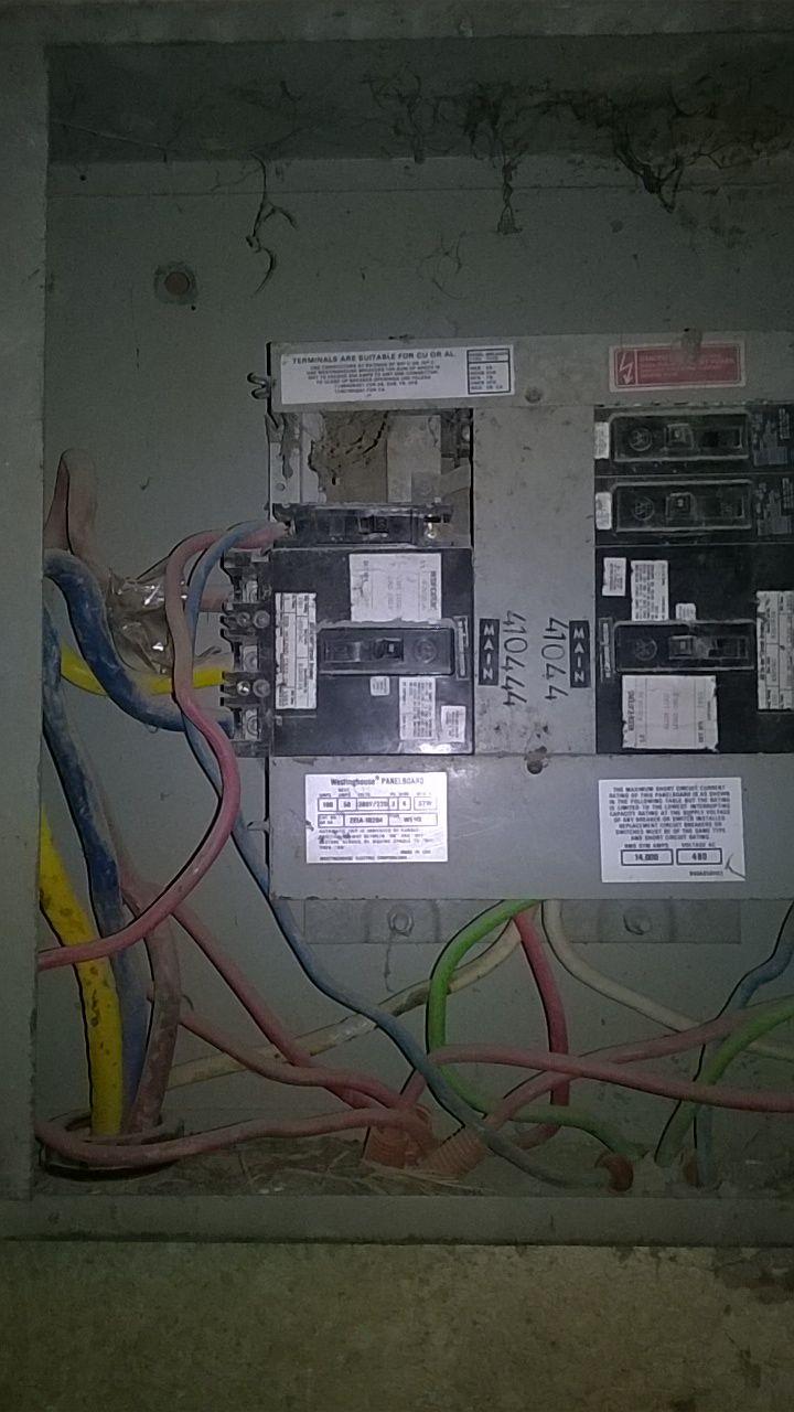 سرقة أغطية علب الكهرباء