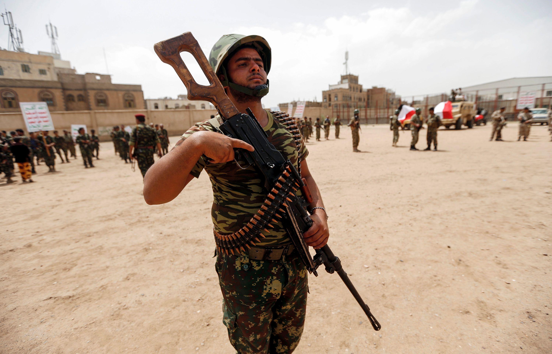 مقاتل فى مليشيا الحوثى