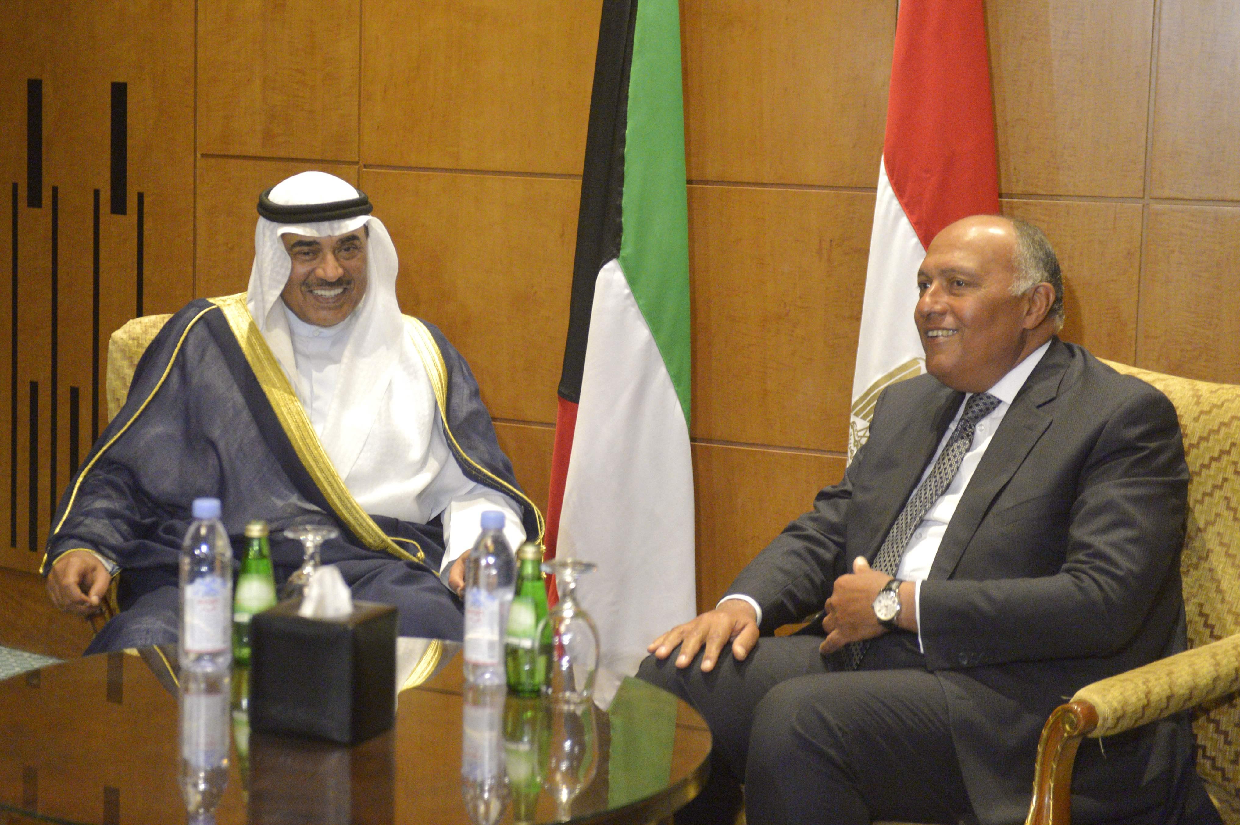 وزير الخارجية يستقبل نظيره الكويتى