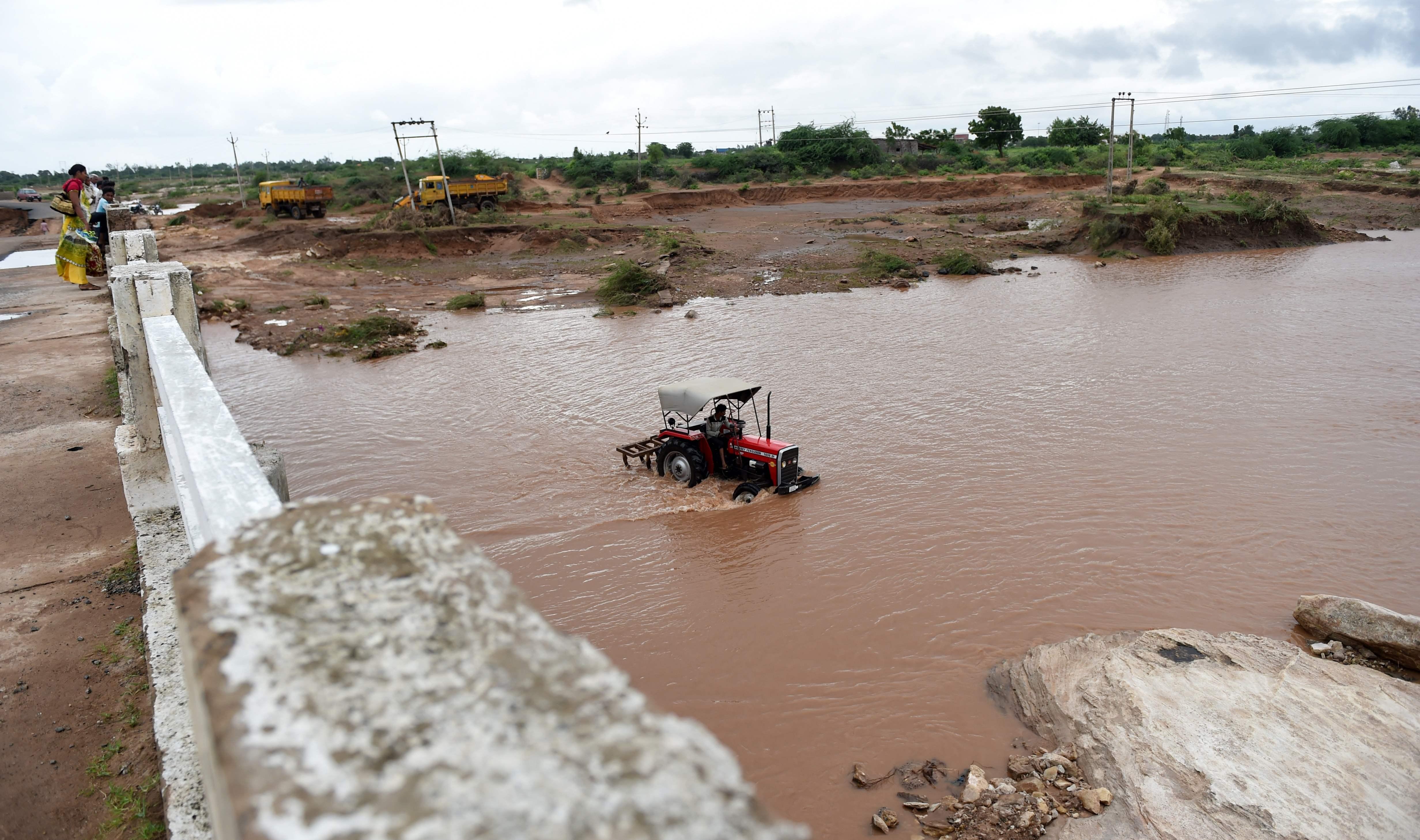 جانب من السيول فى الهند