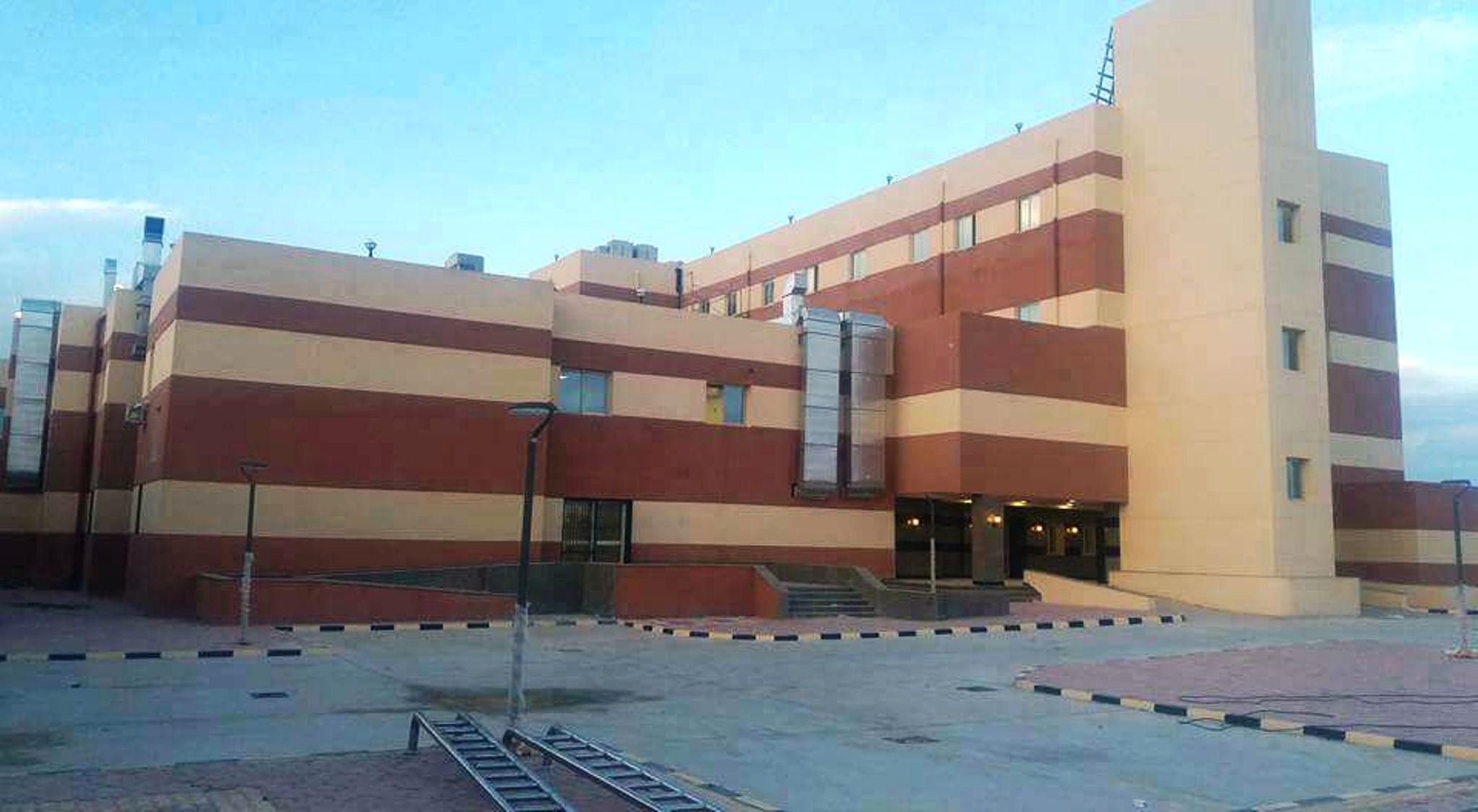 وزير الصحة ومحافظ مطروح يتفقدان مستشفى النجيلة  (2)