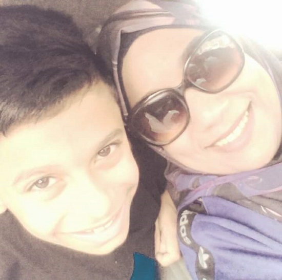 كريم ووالدته