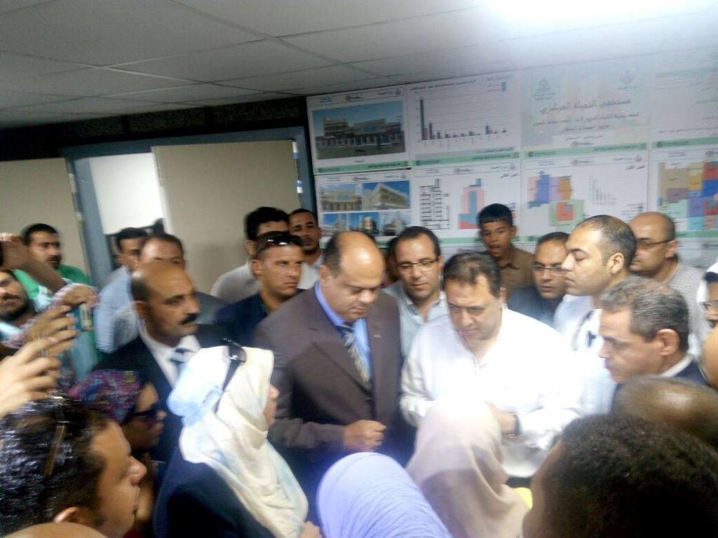 وزير الصحة ومحافظ مطروح يتفقدان مستشفى النجيلة  (1)