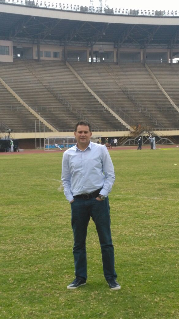 خالد جلال فى ملعب مباراة كابس يونايتد