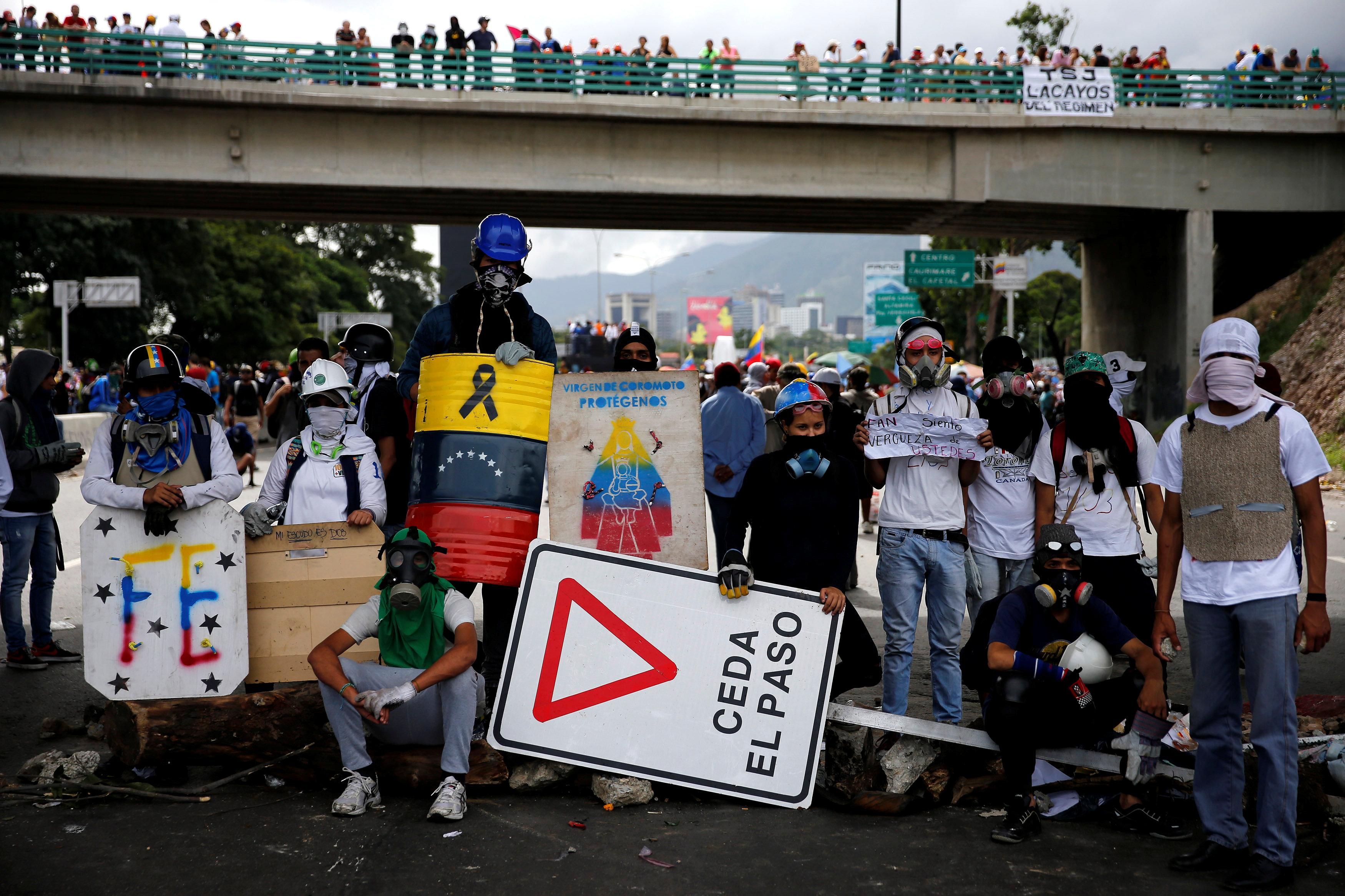 تجدد المظاهرات فى العاصمة الفنزويلية ضد الرئيس نيكولاس مادورو
