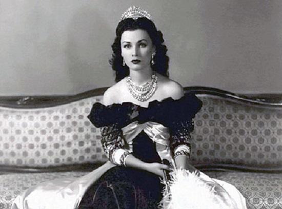 الإمبراطورة فوزية