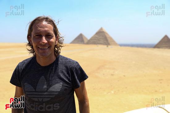 روبرتو كارلوس ونجوم منتخب البرازيل فى زيارة خاصة للأهرامات (34)