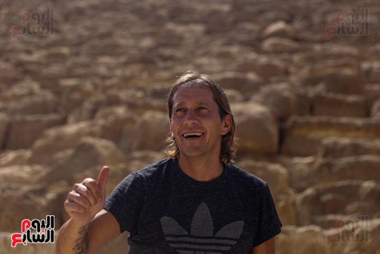 روبرتو كارلوس ونجوم منتخب البرازيل فى زيارة خاصة للأهرامات (26)