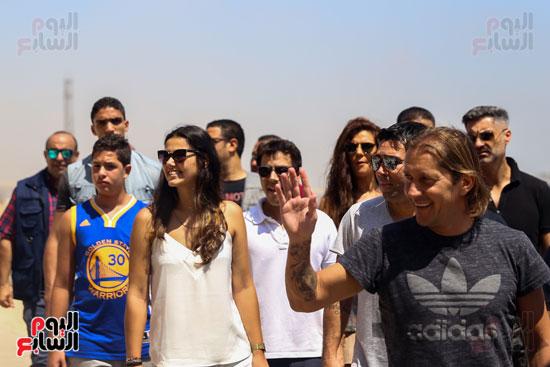 روبرتو كارلوس ونجوم منتخب البرازيل فى زيارة خاصة للأهرامات (17)