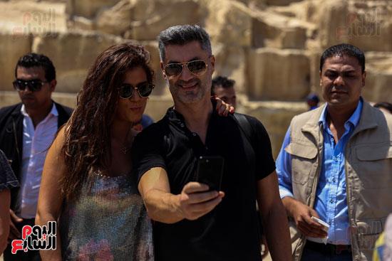 روبرتو كارلوس ونجوم منتخب البرازيل فى زيارة خاصة للأهرامات (27)