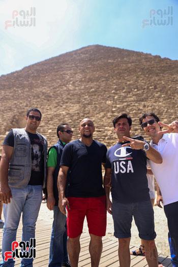روبرتو كارلوس ونجوم منتخب البرازيل فى زيارة خاصة للأهرامات (22)