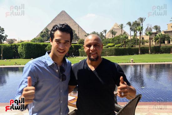 روبرتو كارلوس ونجوم منتخب البرازيل فى زيارة خاصة للأهرامات (9)
