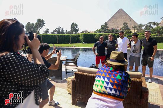 روبرتو كارلوس ونجوم منتخب البرازيل فى زيارة خاصة للأهرامات (8)