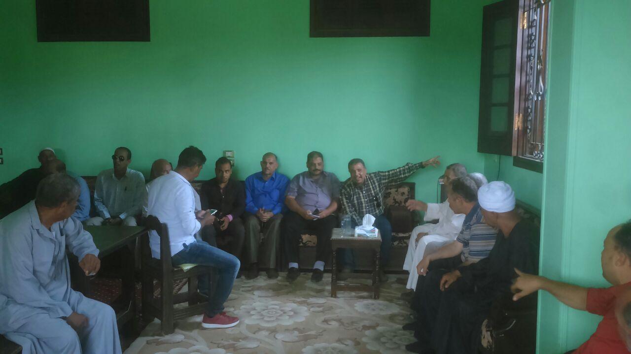 رئيس حى جنوب الجيزة يلتقى أهالى جزيرتى البحرين والقرصاية (2)