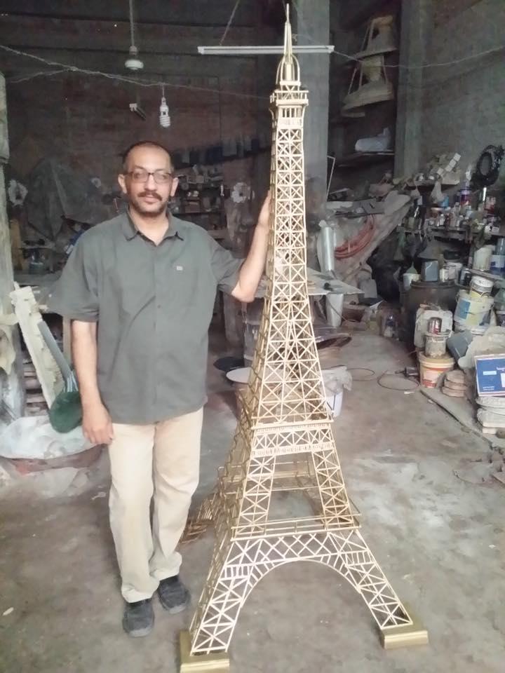 البرج فى مرحلة التصنيع