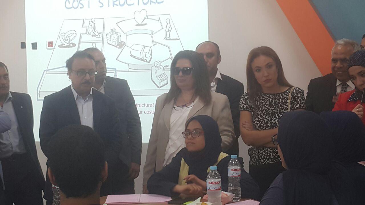 ياسر القاضى وعددا من قيادات وزارة الاتصالات