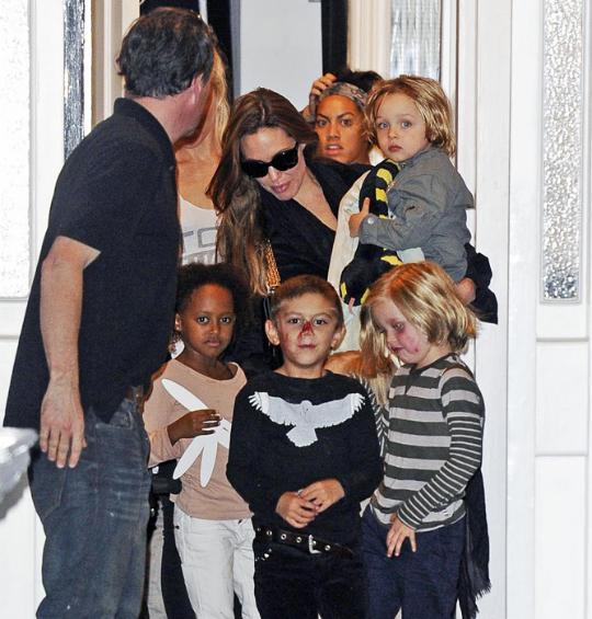 أنجيلينا وأطفالها
