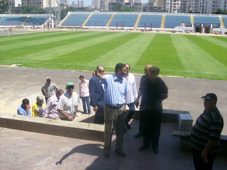 الدكتور شريف سعد مع روراوة اثناء الجولة التفقدية