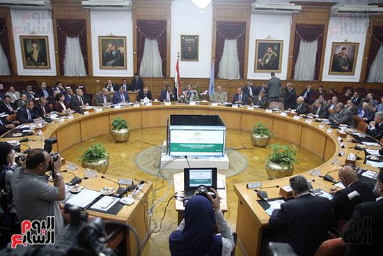 اجتماع المحافظين واالوزراء (2)