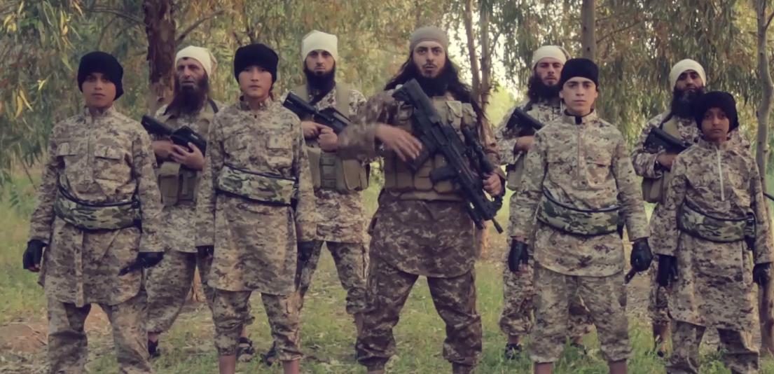 مسلحو داعش وأطفالهم