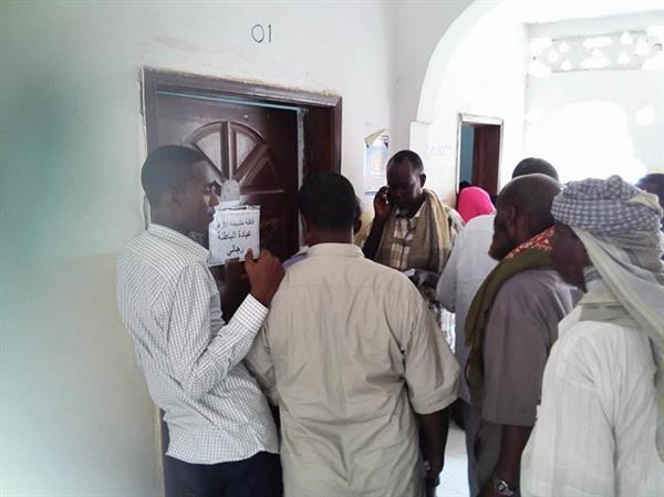 الصوماليين يتوافدون لاجراء الفحوصات