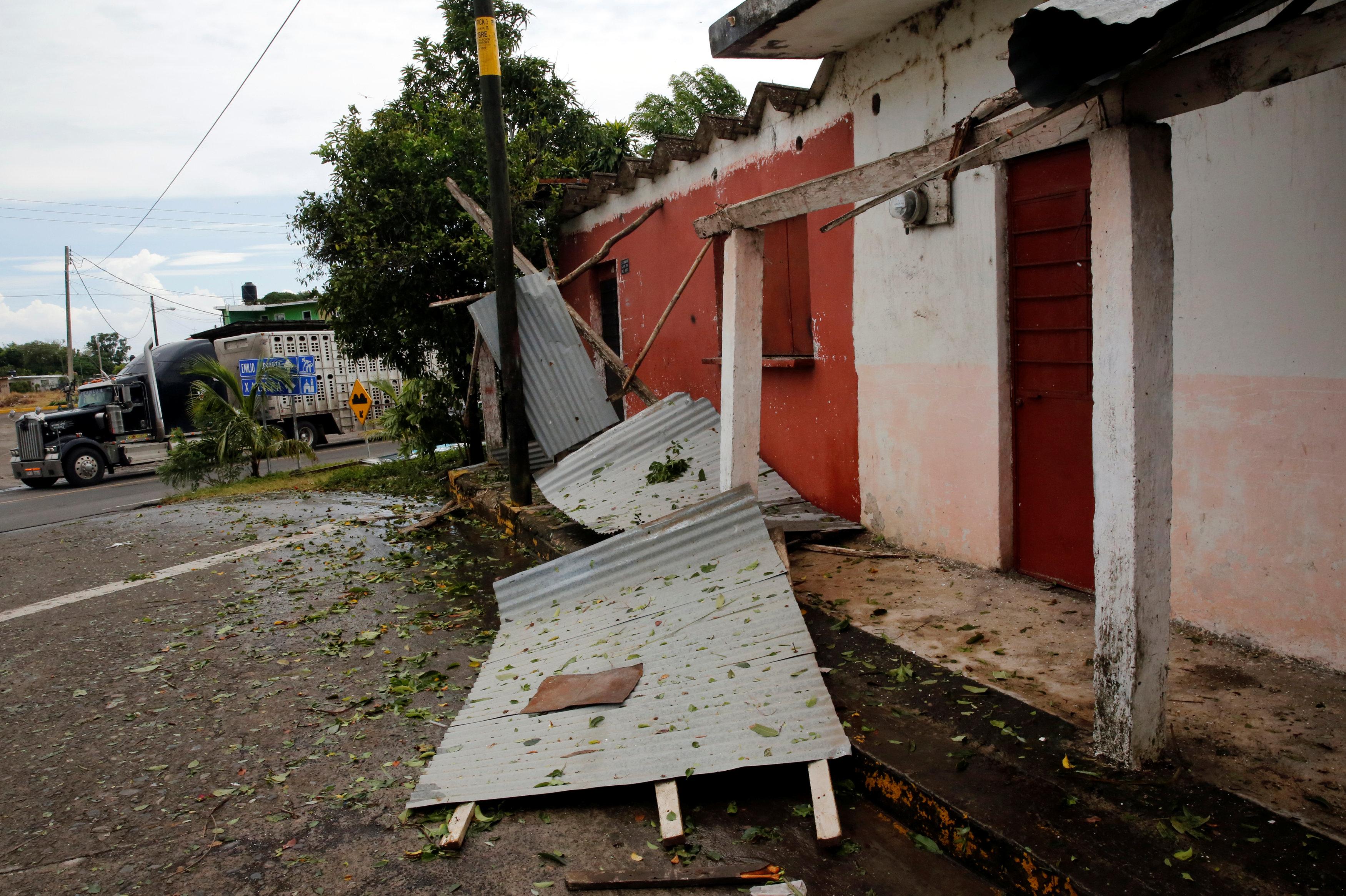 منزل دمر بسبب الإعصار