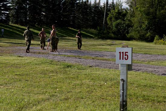 الجيش الكندى يضع اسس لمخيم جديد