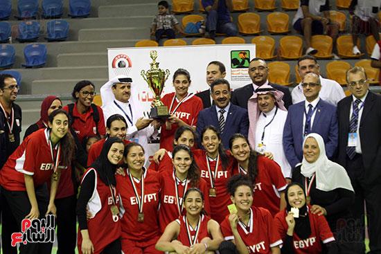 مصر تتوج بلقب البطولة العربية لسيدات السلة (2)