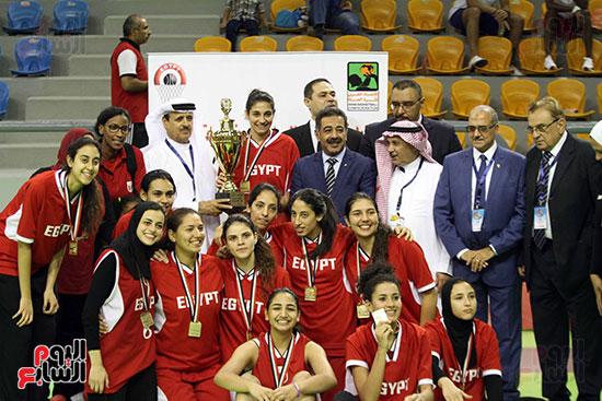 مصر تتوج بلقب البطولة العربية لسيدات السلة (1)