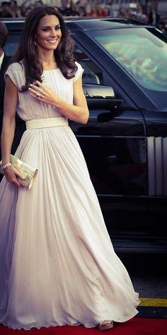 الفستان الطويل