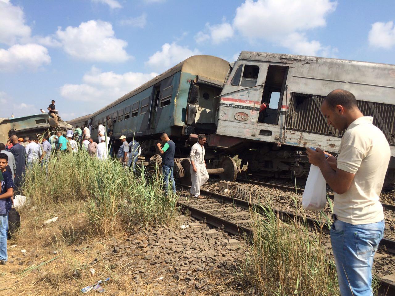 1الصحة 36 حالة وفاة وإصابة 123 أخرين فى حادث تصادم قطارين بالإسكندرية