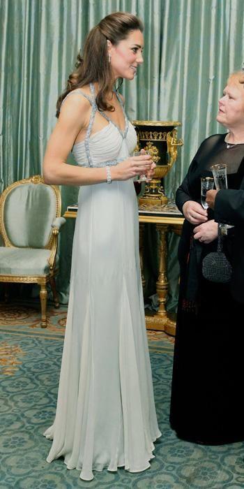 الفستان الطويل2