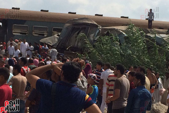تصادم قطارين فى منطقة خورشيد بالإسكندرية (9)