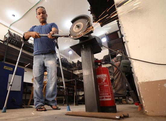 صناعة-أطراف-صناعية-للفقراء-ذوى-الإعاقة
