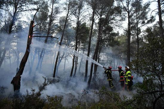 جهود الإطفاء فى فرنسا