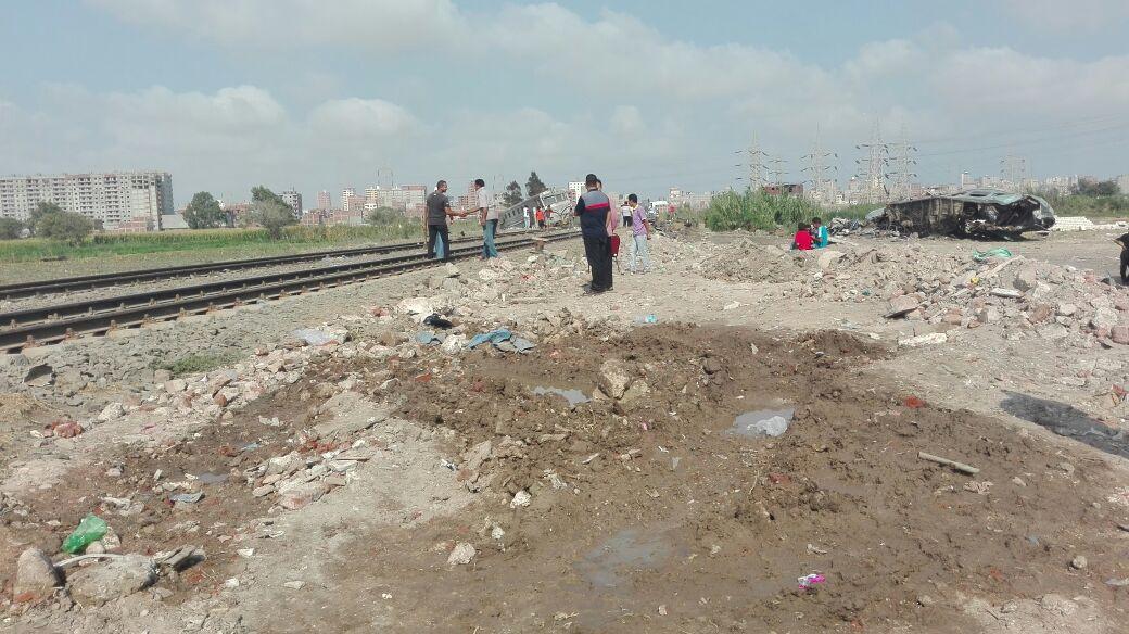 أول صور لموقع الحادث عقب انتشال حطام قطار الإسكندرية (2)