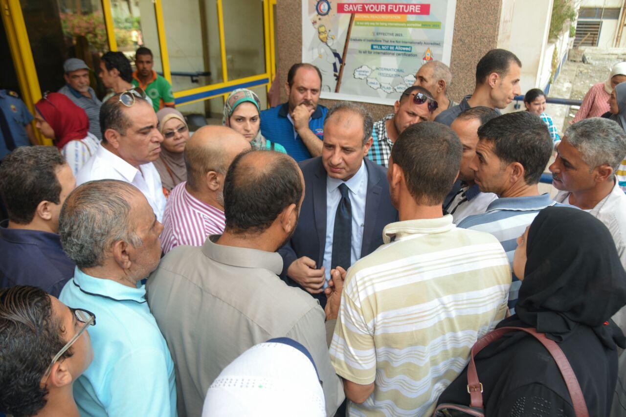 محافظ الإسكندرية يزور مصابى تصادم قطارى خورشيد  (7)