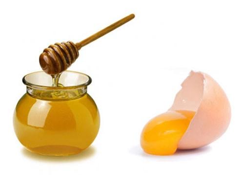 العسل والبيض وزيت الزيتون