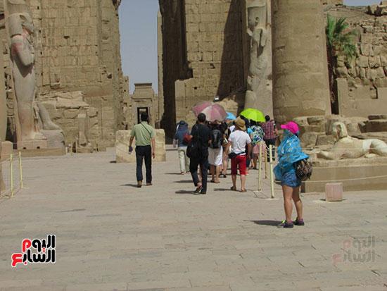 توافد مميز لحركة السياحة فى معابد الأقصر
