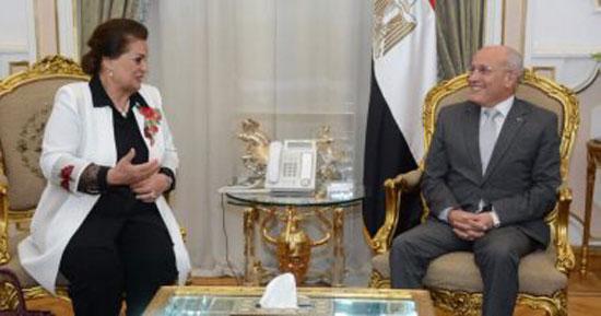 5-الدكتور-محمد-سعيد-العصار-وزير-الإنتاج-الحربى-والمهندسة-نادية-عبده-محافظ-البحيرة