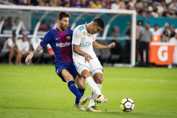 كاسيميرو المسئول من ريال مدريد عن ايقاف ميسي