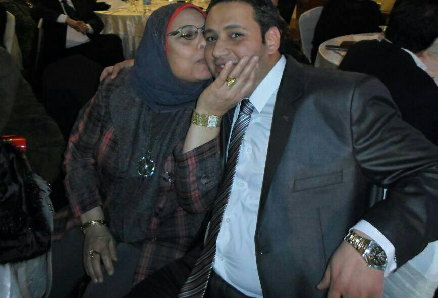 والدة الشهيد محمد أنور لـاليوم السابع  دماء ابنى الذكية ضمتها أرض سيناء (2)