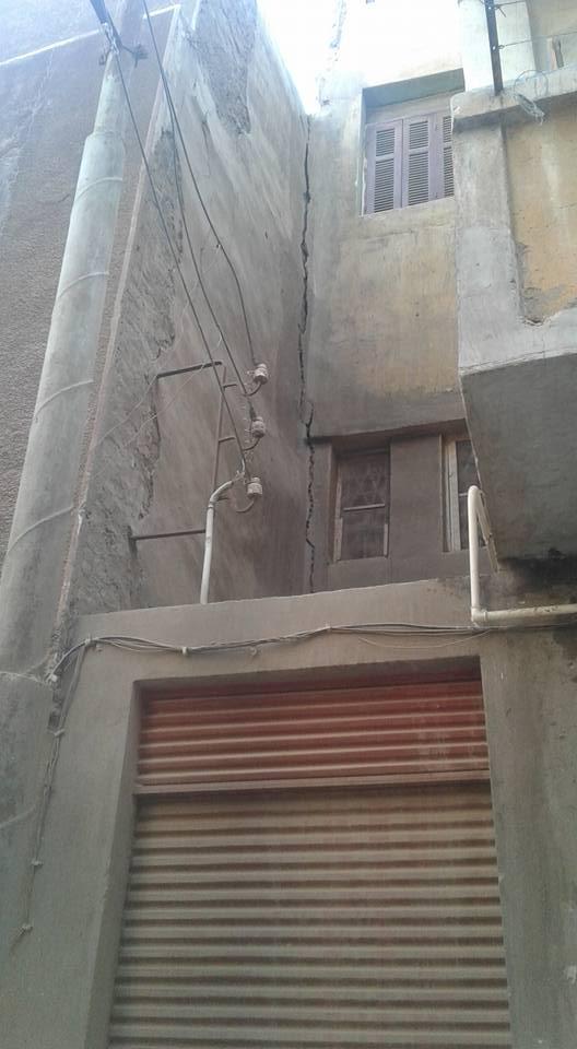 تصدع منزلين بسبب التنقيب عن الآثار باسيوط (2)