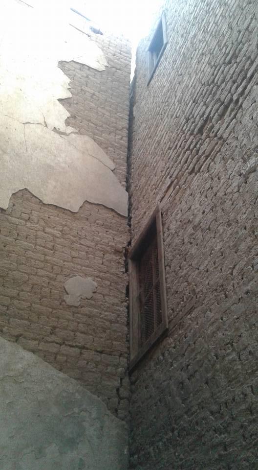تصدع منزلين بسبب التنقيب عن الآثار باسيوط (4)