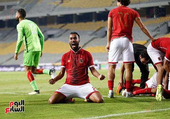فرحة البطولة 32 لحسام عاشور